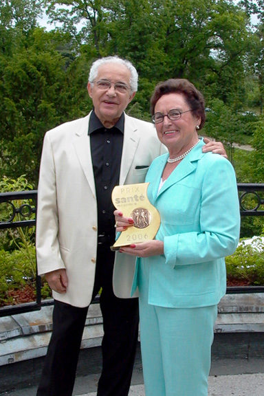 "André Giovanni and Annemarie Lindner with the ""Prix Beauté Santé"""