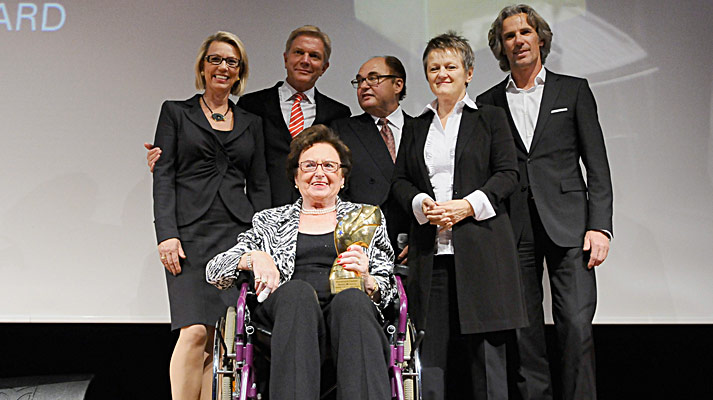 Annemarie Lindner met de Maurice Lacroix Business-Award